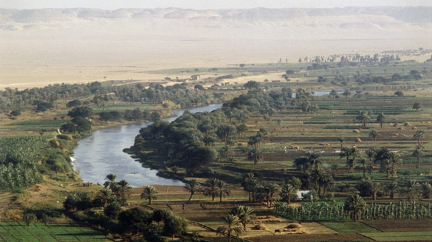 nile river essay Summary: without the nile river and the surrounding valley, ancient egyptian civilization would not have existed the nile served as the egyptians' only source of water and food, an important method of transportation, and an impetus for the development of trade, the disciplines of mathematics and.